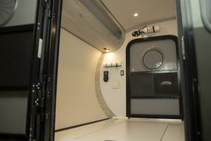 Roomy trailer interior with space-saving construction.